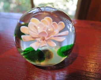 Paperweight Floating Flower Beautiful Blossom Fine Blown Glass Pink Art NICE