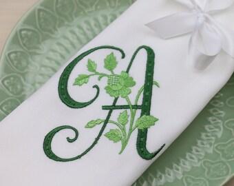 Set of 4 Monogrammed Napkins / Personalized Napkins / Cloth Napkins / Embroidered Napkins / Wedding Napkins/ Dinner Napkins / Font 9
