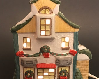 """Lighted Christmas Village House approx. 6"""" tall"""