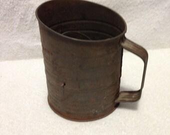 Vintage 5 cup Browwells measuring sifter
