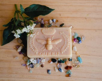 Mothers Day Gift| Honey & Oats Handmade Soap with organic ingredients| Gift under 20| Gift for mum