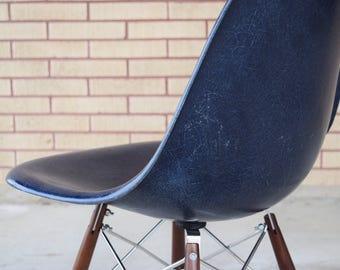 Original Charles Eames Navy fiberglass Side Chair by Herman Miller