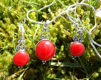 set necklace and coral earrings