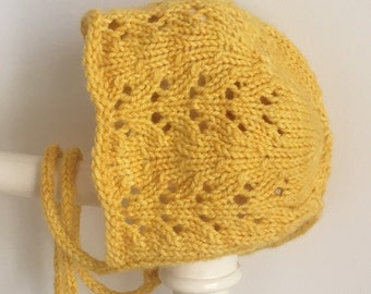 Vintage style 'violet' baby bonnet (hand knit)
