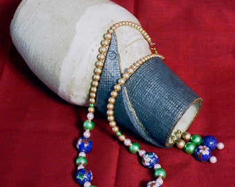 Cloissione' and pearl necklace and earring set