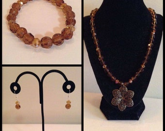 Beaded Glass Necklace w/ Flower Pendant