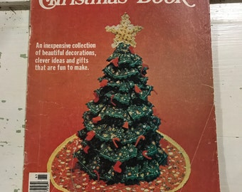 Vintage Women's Circle Christmas Book 1976