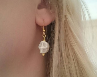 Howlite skull earrings / Gold plated ear wires