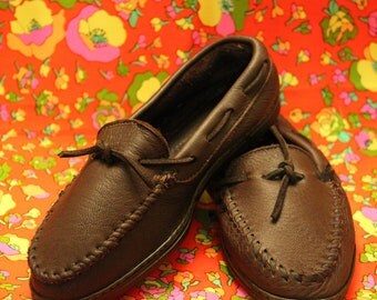 Minnetonka Brown Leather Moccasin Shoes