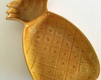 Large Pineapple Serving Platter-  Chip and Dip Bowl- Vintage Ceramic Bowl- 1950s California Pottery