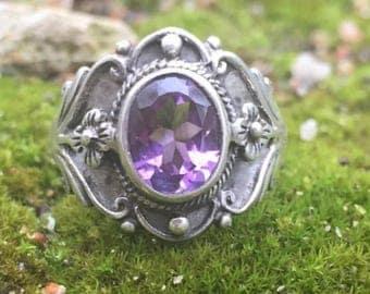 Vintage Stirling Silver & Amethyst Ring