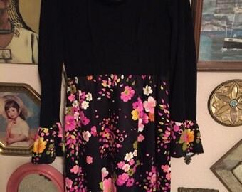 60's boatneck black and floral dress