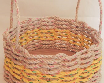 Med Natural/ Yellow Round or Oval Basket