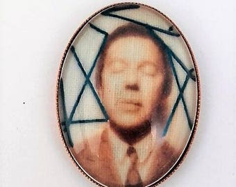 PIN André Breton embroidered by hand