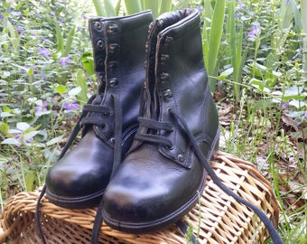 Military boots, Leather boots, Combat boots, Military shoes, Black leather shoes, Vintage boots, Women boots, Black leather boots.