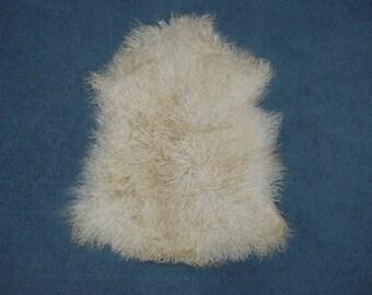 ONE (1) Deluxe Angora Goatskin Rug for Home Decor