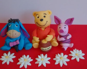 Winnie the pooh inspired edible cake topper, decoration