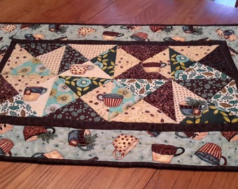 Place mats with matching table runner