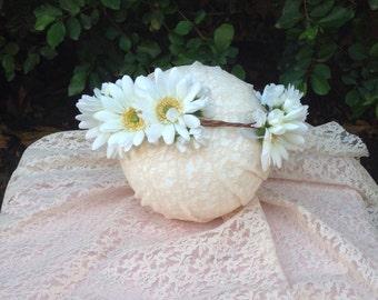 Daisy flower crown, boho wedding, white flower girl crown, boho bride flower crown, hippie flower crown, boho flower crown prop, festival cr