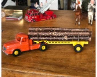 DINKY- Willème tractor and lumber carrier