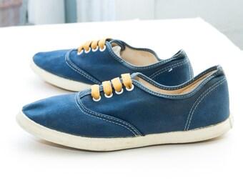 VANS Women's 'Van Doren' Sneakers, sz 8.5 -- Made in USA --> Navy Canvas