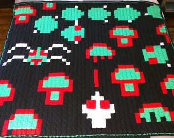 Centipede 80s Arcade Game Pixel Blanket