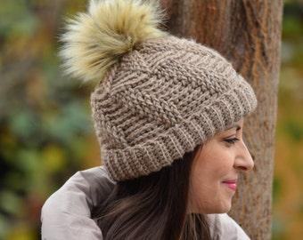 Women pom pom hat, knitted beanie women, winter hat brown, alpaca hat women, crochet beanie wih pom pom, gift for woman