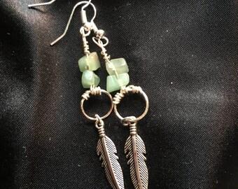 Feather drop earrings (green)