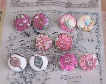 Flower fabric stud earrings - small