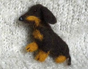 Dachshund, Felted brooch, Pet jewelry, Needle felted dog, Pet lover gift, Wool jewelry, Pet portrait,  Miniature Dachshund, Felt dog, Badge