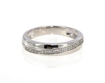 10K White Gold 0.15 CTW New Never Worn Ladies Stylish Diamond Band Ring - 3.5 Grams