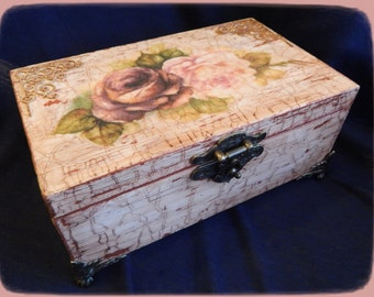 """Box for money and jewelry, """"Rose"""""""