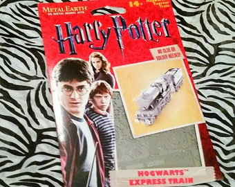 Harry Potter ~Hogwarts Express Train~ 3D Laser Cut Metal Model Kit by Fascinations - Metalworking, Modelmaking, Kids Crafts, Model Crafting