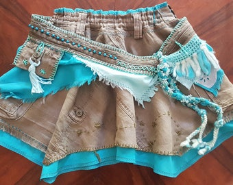 Mini skirt in the layered look, with cool belt, turquoise-olive
