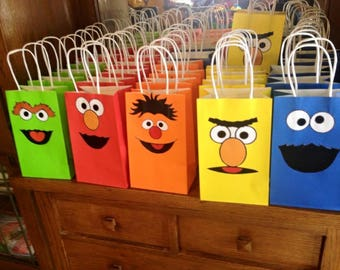 Set of 5 Sesame Street Party Favor Bags/ Birthday Party Supplies/Bags/ Goody/ Fiesta/ Goodie/ Treat/ Loot/ Gift/  Favors/ Candy