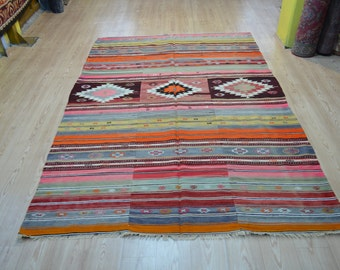 Vintage kilim rug. Turkish kilim. Pink kilim. Turkish rug. Free shipping. 8.3 x 5.7 feet.