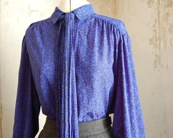 Beautiful light Jobis vintage ladies blouse approx size 14