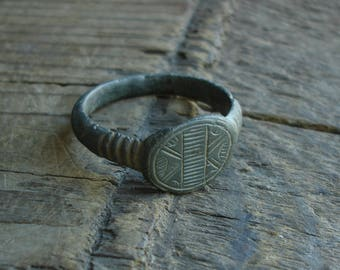 Ancient Crusaders C. 13th-14th Century AD Bronze Ring / US, Canadian approx. size '11 3/8' British, Australian 'W 1/2'