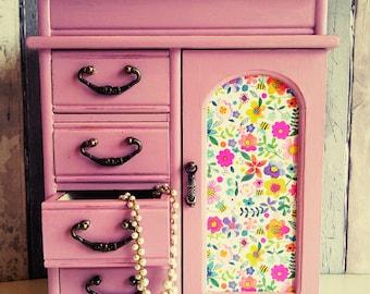 Vintage jewelry box, painted jewelry box, shabby jewelry box, large jewelry box, jewelry box, jewellery drawers, upcycled jewelry box