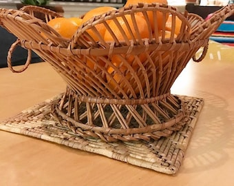 Vintage wicker basket with handles