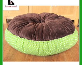 Cosy dream 'Green Stars with Brown' bed, dog bed, pet bed, cat bed, pet bed