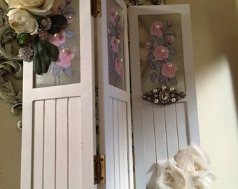 Shabby Chic Jeweled/Floral Mini Room Divider