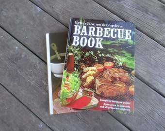 Vintage Set of Barbecue and Meat Cookbooks.