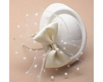 cream net hatinator, wedding hat, cream fascinator formal hat, pillbox cream hat, race day hat, cocktail hats, ladies hats, cream  hat,