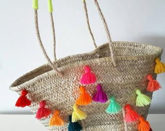 Beach basket tassel