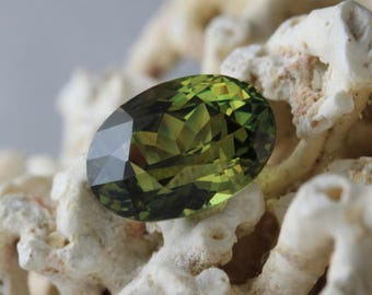 Demantoid garnet 2,60 carats- natural gemstone- rare