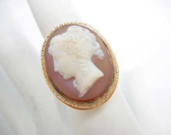 Cameo Ring, Gold Cameo Ring, Vintage Cameo RIng, Carved Agate Cameo, 12k Yellow Gold Layered Agate Cameo Ring Sz 8.5 #1632