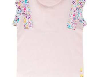 the shirt of the fairy with wings of flowers