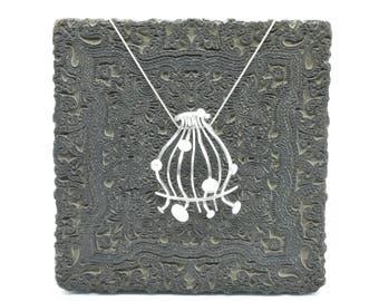 Symphony pendant