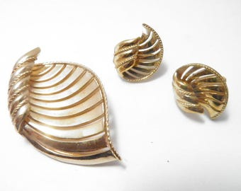 Trifari Pin and Earring Set